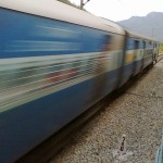 800px-Fast_Moving_Train_India