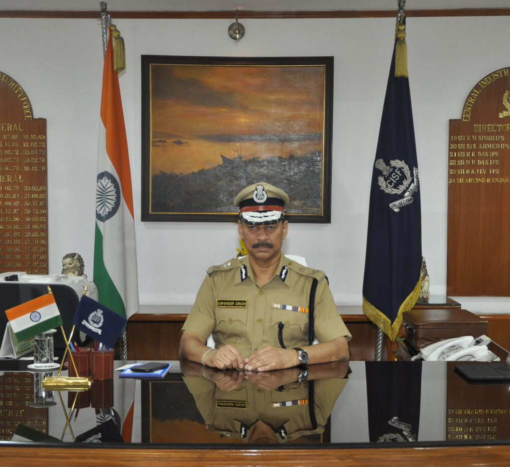 Shri Surender Singh  IPS assumed the charge of DG CISF