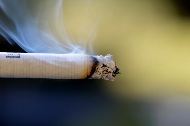 cigarette-666941_640 (1)
