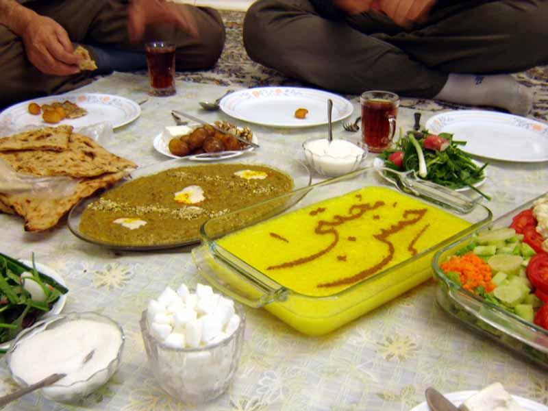 Eftar_dinner_set,_Maghreb,_Tehran,_Iran,_10-21-2005
