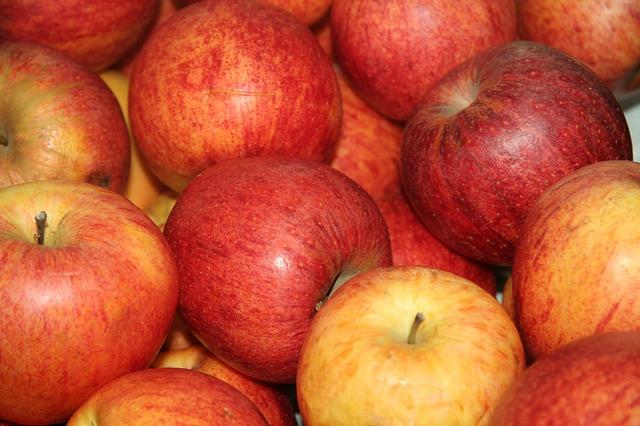 apple-565383_640